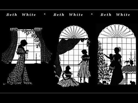 Чёрно-белая кружевная резьба  от Beth White.
