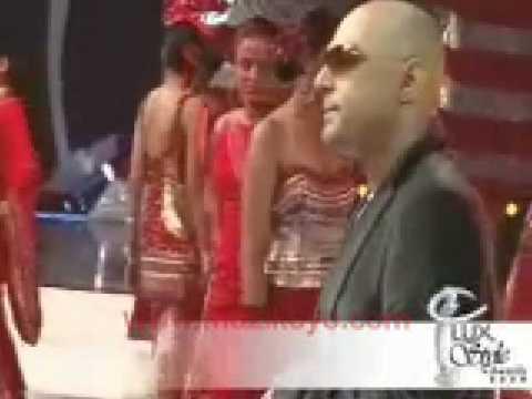 Ali Azmat Performing Na Re Na at LSA