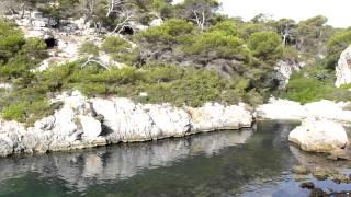 Cala Figuera Calvià Mallorca  Acceso por rocas