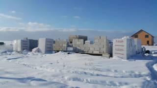Кладка газосиликатных блоков.(Кладка из газосиликата на клей зимой., 2017-02-06T15:15:34.000Z)