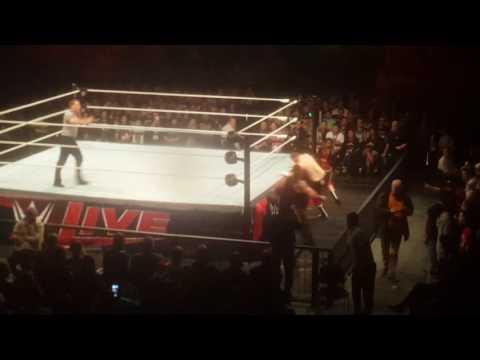 WWE LIVE IN Düsseldorf Handy Aufnahmen
