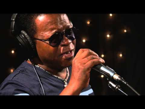 Lee Fields and the Expressions - Don't Leave Me This Way (Live on KEXP)