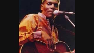 Oliver Mtukudzi -MAMURAMBA