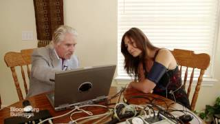 Polygraph Expert Shows How to Beat a Lie Detector Test