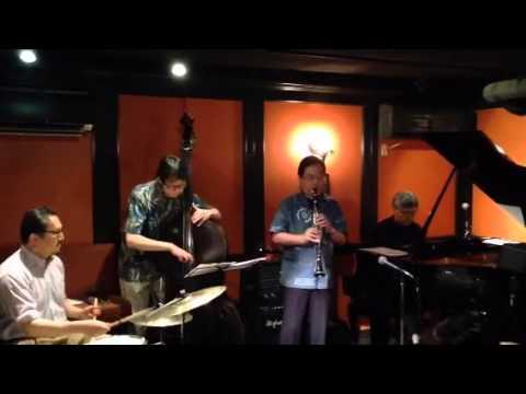 Twilight Special Jazz & Bar em's Pro-Ama Quartet (e-PAQ) on 12 July 2014(All of me)