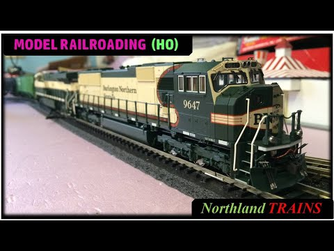 HO scale Special – Vomit Bonnet, Amtrak Phase III, GN Empire Builder, & Rock Island 2-8-0