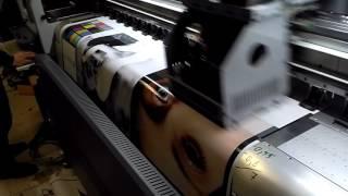 видео преимущества широкоформатной печати