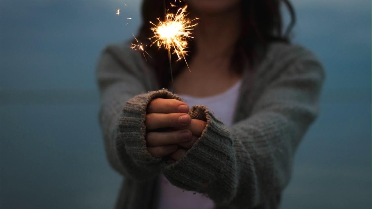 Αποτέλεσμα εικόνας για woman holding sparkler