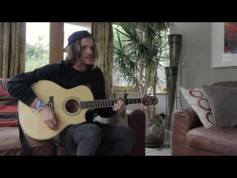 Rihanna - Umbrella (Mitch Potts acoustic cover)