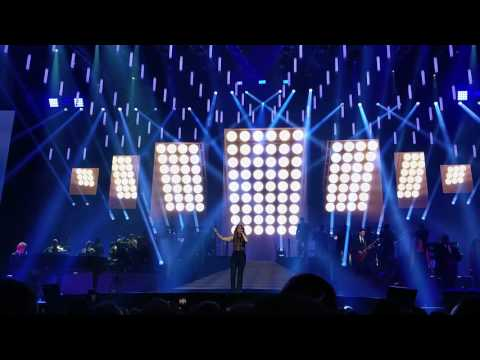 Céline Dion - The Show Must Go On - live...
