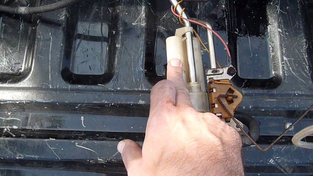 fuel sending unit repair ford f250 f350 7 3l powerstroke diesel youtube [ 1280 x 720 Pixel ]
