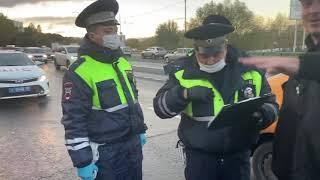 Националист Демушкин и Рома Жиган. Остановили на каршеринг за отсутствие аптечки.