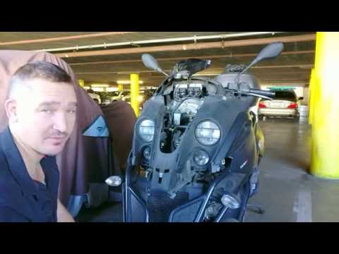 Piaggio MP3 500 - Removing Front Panels to check Tilt Lock Oil Level