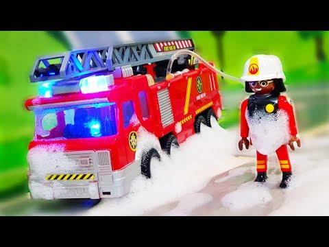 Мультик про машинки. Игрушки Валера и Петрович тушат пожар на новой машинке. Видео для детей