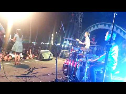 Rasajawa band JEPARA (suka suka)di alun alun jepara pesta malam taun baru 2017