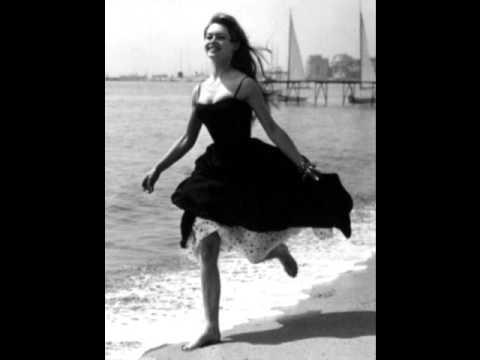 Une histoire de plage - Brigitte Bardot