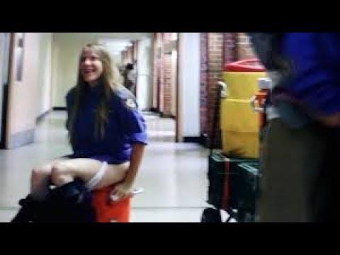 Leanne pees in Tiffany's drink - Orange is the New Black season 5