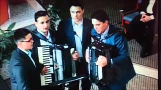 Grup din Bucovina - Cine oare, Cine oare