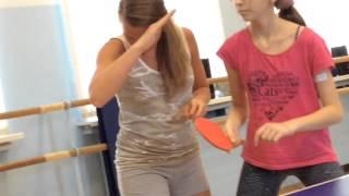 Тренировка по настольному теннису с детьми