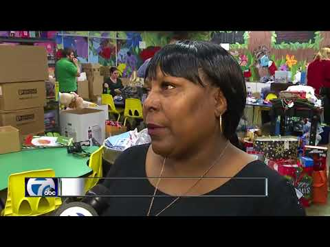 WXYZ's Giving Tree supports The Holiday Shop at The Children's Center