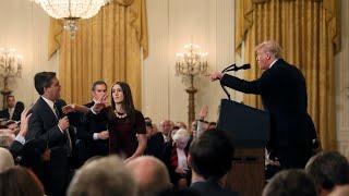 La Casa Blanca retira la credencial a periodista de CNN Jim Acosta, tras discusión con Trump