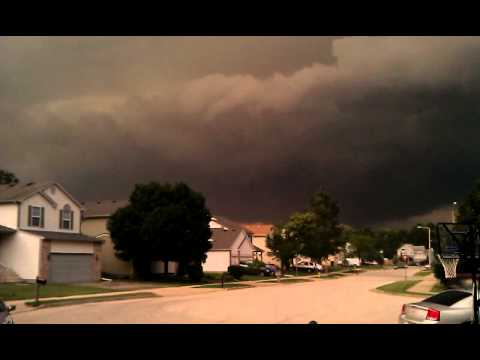 Mini Tornado in Waukegan, IL?