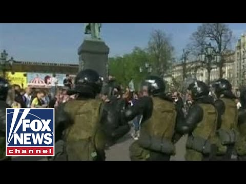 Anti-Putin protests held in Moscow