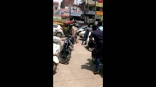 Car wala vs Rikshaw wala Fight , New Delhi