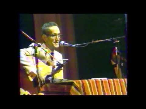 Slimane Azem Amoh Amoh à l�€�Olympia en janvier 1982
