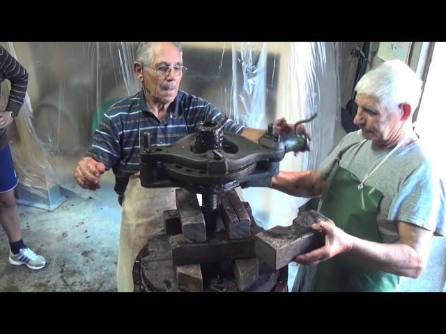 Cómo se elabora y hace el vino de forma artesanal en Cabras - Cerdeña