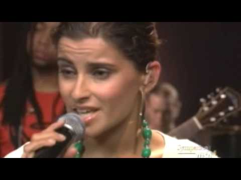 Nelly Furtado - In God's Hands (Live @ Orange Lounge)