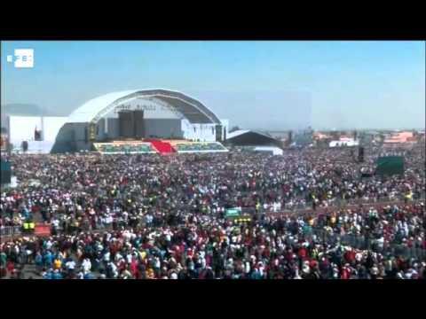 El papa oficia multitudinaria misa en Ecatepec