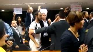 Bolsonaro xinga de viados e gays briga geral