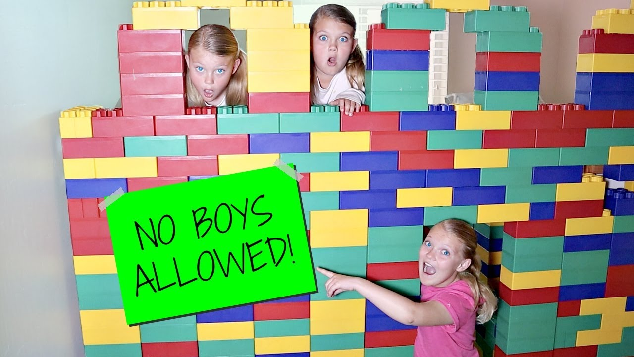 Download Girls Only GIANT LEGO FORT! No Boys Allowed