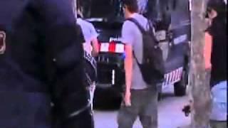 los mossos infiltrados portaban porras de acero