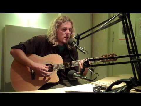 Reaganesk - 99 Years of Love (live @ Radio Mortale 07-07-2011)