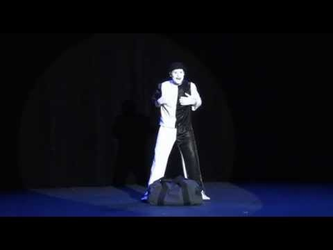 le mime F.P.A.O en spectacle pris en video amateur