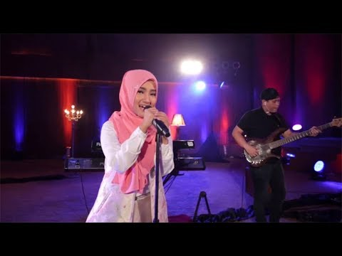 Fatin - Away (Live At Music Everywhere) * *