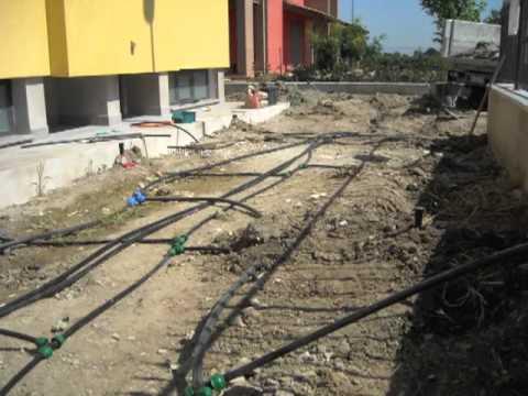 Impianti di irrigazione youtube for Costo impianto irrigazione interrato