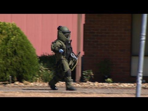 Police Bomb Squad detonate device near Bendigo 6/2/2013