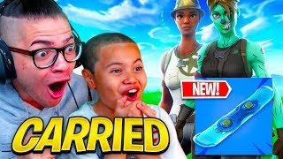 MINDOFREZ DUOS WITH MY LITTLE BROTHER USING *NEW* HOVER BOARDS IN FORTNITE! I GOT CARRIED! EXPOSED!