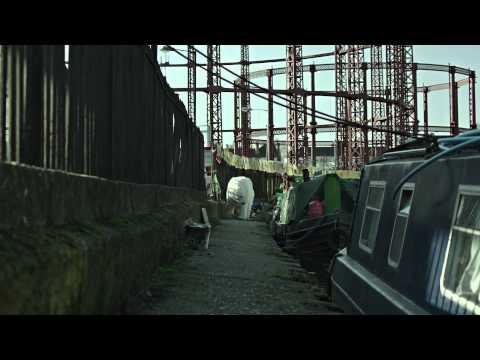 A Homeless Polar Bear in London (Jude Law και Radiohead)