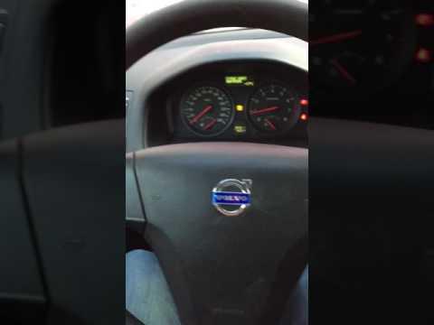 Кнопки управления магнитолой Volvo S40