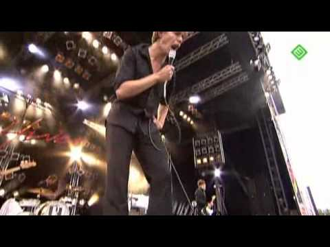 The Hives - Tick Tick Boom (Live Pinkpop 2008)