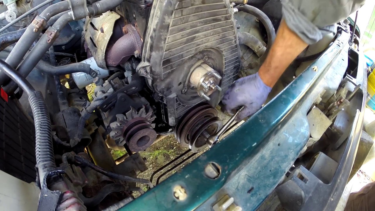 how to replace the timing belt on a toyota hilux diesel  [ 1280 x 720 Pixel ]