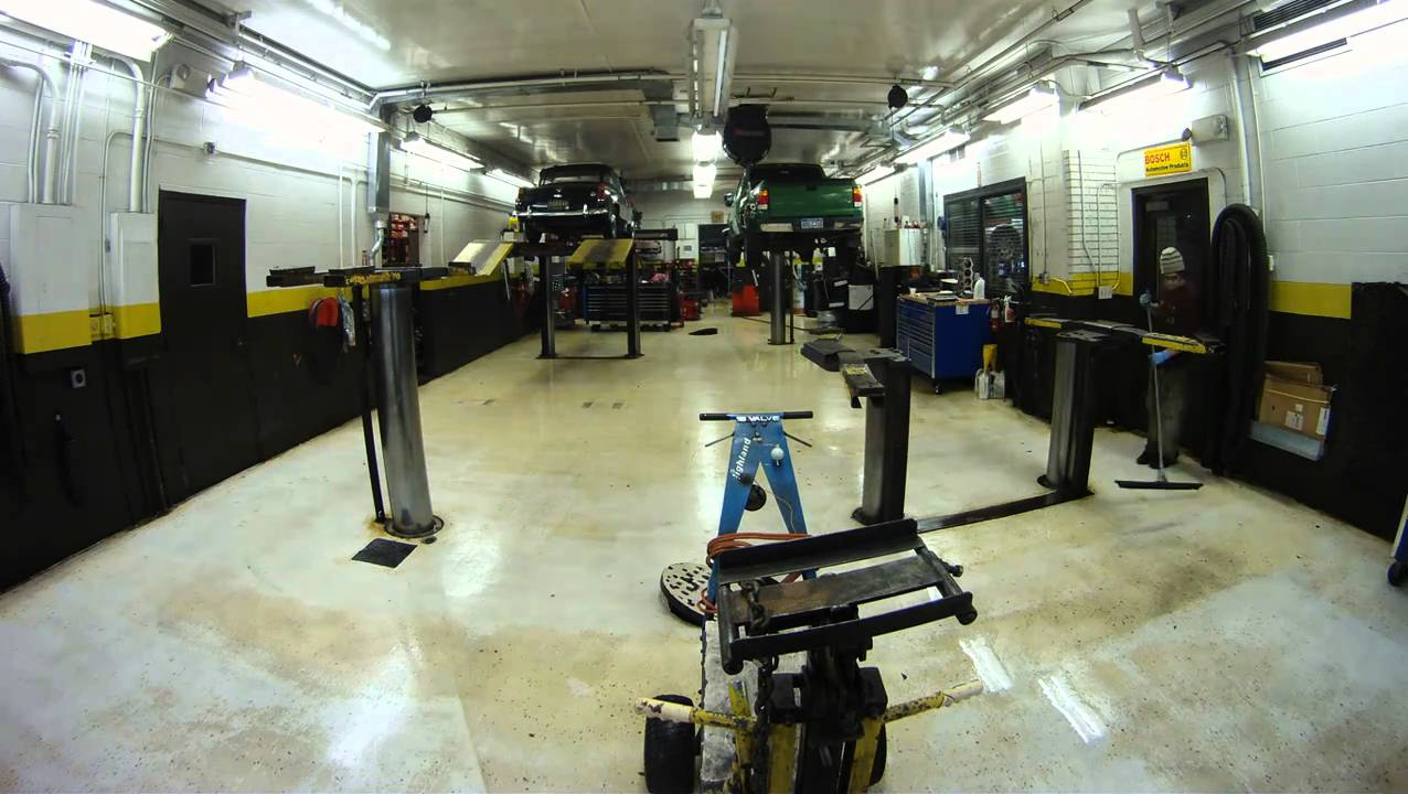 Timelapse how to clean a mechanic shop fast and for Mechanic shop flooring