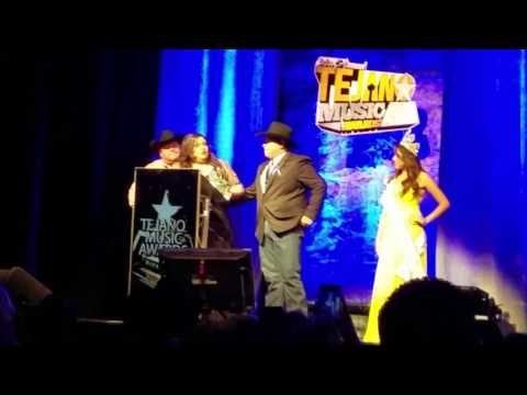 Remedio WINS Best New Band at the 2016 Tejano Music Awards!