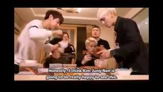 Onew fed by Hodong + Onew feeds Minho + Hungry SHINee