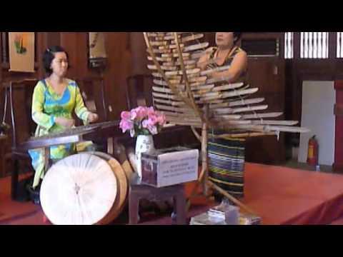 A Taste of Traditional Vietnamese Music.m4v