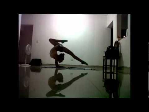 Gimnasia ritmica ejercicios youtube for Ejercicios de gimnasia